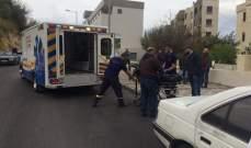 نقل جثة رجل ستيني من داخل سيارته في ذوق مصبح الى مستشفى سيدة لبنان