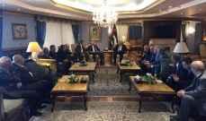عباس للفلسطينيين في لبنان: كونوا عامل استقرار للسلم الاهلي