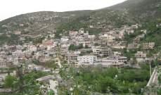 رئيس بلدية منيارة يهدد بترحيل النارحين السوريين من البلدة
