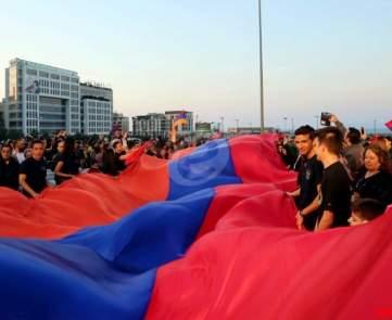 مهرجان خطابي تنظمه الاحزاب الارمنية في ساحة رياض الصلح\n
