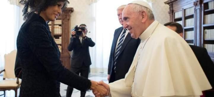 البابا ممازحا ميلانيا عن وزن ترامب: ماذا تطعمينه بوتيستا؟