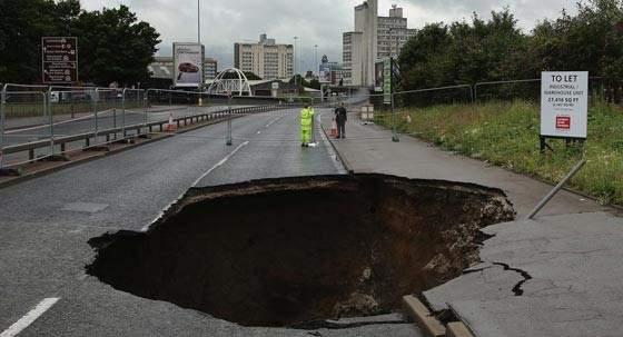 روسي ابتلعته الارض في مدينة ياروسلاف الروسية