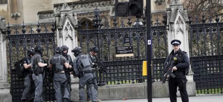 الشرطة البريطانية تعتقل رجلا يبلغ 23 عاما على صلة باعتداء مانشستر