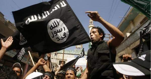 """هل تمهد """"القاعدة"""" للعودة إلى سوريا بفصيل جديد؟"""
