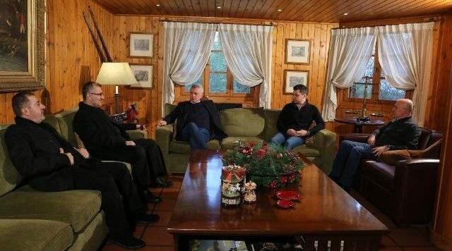 حزب الله متمسك بورقة فرنجية: لن نسمح باحراقها في الانتخابات.. ومرشحنا الطبيعي للرئاسة بعد عون