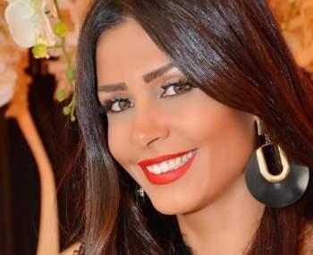 زواج الفنانة التونسية ساندي برجل أعمال مصري عائلي