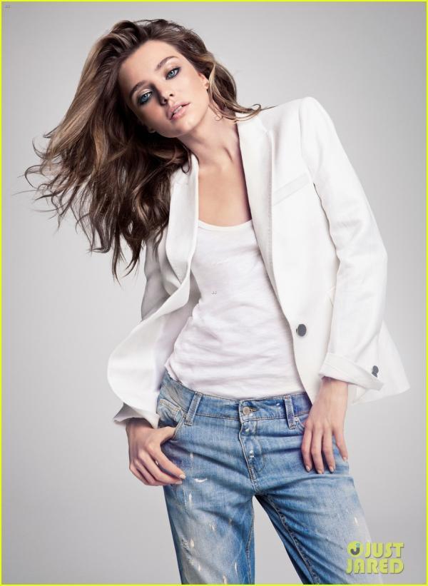 بالصور ميراندا تضفي الملابس الإثارة والجمال إعلان جديد 2013 1365778474_miranda-k