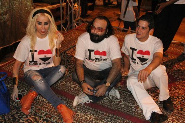 بالصور اللبنانية منار تحتفل بعيد