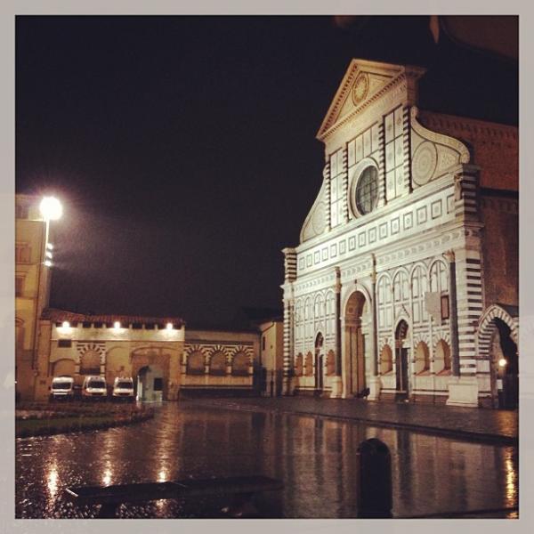 بالصور اليسا تستجم ايطاليا عناء
