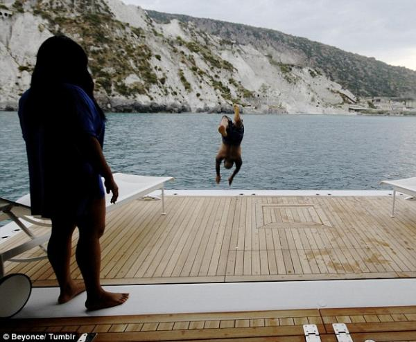 بالصور بيونسيه تظهر طبيعتها بدون مكياج 1378974082_article-2