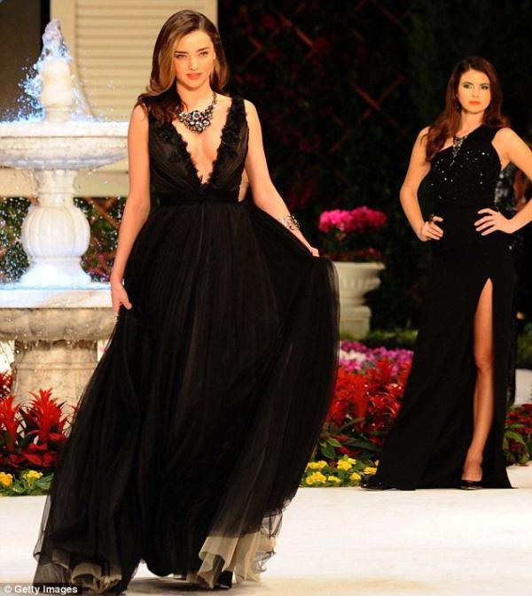 بالصور ميراندا تنثر جمالها بإطلالاتها المثيرة تركيا 1389446338_article-2