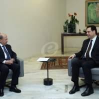 دياب يقدم استقالة الحكومة الى الرئيس عون- محمد سلمان