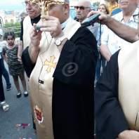 وصول ذخائر القديس شربل الى الكفور