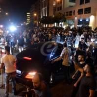 لحظة مرور موكب الوزير اكرم شهيب في وسط بيروت-محمد سلمان