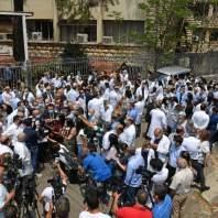 اعتصام رمزي لنقابة الاطباء أمام قصر العدل - محمد سلمان