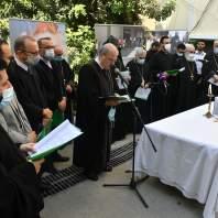 جناز عن راحة أنفس ضحايا انفجار مرفأ بيروت على درج جعارة في الأشرفية- محمد سلمان