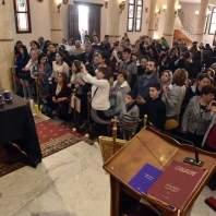 رعية مار جرجس الحدث تستقبل كفن المسيح في لبنان- محمد سلمان