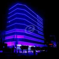 اضاء مبنى وزارة الشؤون الاجتماعية باللون الازرق- محمد سلمان