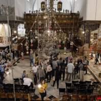 ترميم صور من الفسيفساء في كنيسة المهد في بيت لحم