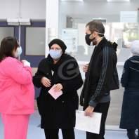 إجراء فحوص كورونا في مستشفى بيروت الحكومي - محمد سلمان