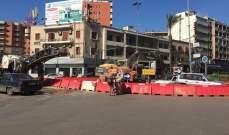 قطع الطريق بساحة عبد الحميد كرامي بطرابلس بالمستوعبات والاطارات المشتعلة