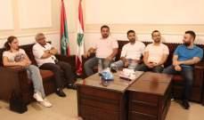 """أسامة سعد بحث مع وفد من حملة """"بلديات عالمكشوف"""" في شؤون البلديات"""