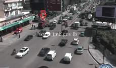 تعطل شاحنة على بولفار سن الفيل باتجاه الصالومي وحركة المرور كثيفة