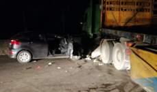 قتيلان نتيجة إصطدام سيارة بشاحنة تقطع اوتوستراد شكا مفرق الهري