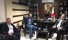 """""""حماس"""" تلتقي """"اللينو"""" في عين الحلوة لبحث الأوضاع الأمنية والاقتصادية والمعيشية"""