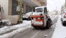 النشرة:الآليات التابعة لبلدية شبعا تجرف الثلوج وتفتح طرقات البلدة