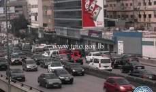 التحكم المروري: تعطل مركبة على جسر الدورة وحركة المرور ناشطة في المحلة