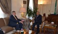 أبو الغيط أكد لكوبيش دعم الجامعة العربية للبنان: لتلبي الحكومة مطالب الشعب