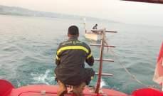 الدفاع المدني: سحب زورق للصيد على متنه 4 أشخاص إلى ميناء الجيه بعد تعطل محركه