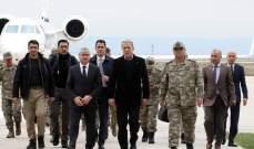 وزير الدفاع التركي يتفقد الجيش التركي على الحدود مع سوريا