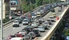 تصادم بين 4 مركبات على جسر الكولا باتجاه المدينة الرياضية وحركة المرور كثيفة