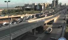 حركة المرور كثيفة من النقاش باتجاه انطلياس وصولا الى جل الديب