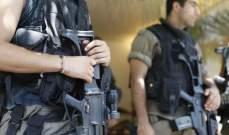 النشرة: المعلومات اوقفت شخصا بعد مطاردة عصابة سرقة بشتورة وصادرت اسلحة