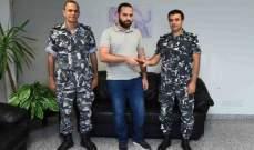 قوى الامن: تسليم محفظة الى شخص عراقي بعد فقدانها في المطار