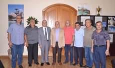 يمق بحث مع تجار طرابلس ووفود اممية قضايا ومشاريع المدينة