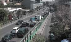 حركة المرور كثيفة من جسر الفيات باتجاه كورنيش النهر وصولا الى الكرنتينا