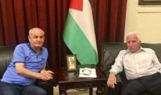 لقاء بين عزام الاحمد وناظم اليوسف في مقر سفارة فلسطين في بيروت