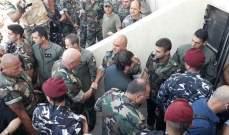 الحريري وقائد الجيش يتفقدان الوحدات العسكرية في مواقع استعادها الجيش