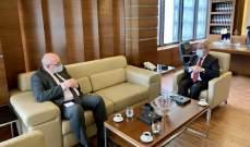 وزير الشؤون الاجتماعية عرض مع القائم بالأعمال البريطاني للأوضاع الراهنة وملف النازحين