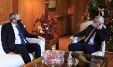 فرنجية التقى السفير البريطاني في زيارة وداعية
