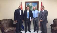 سعادة عرض مع السفير الكوبي تعزيز العلاقات بين البلدين