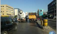 تعطل شاحنة اول جسر الدورة نحو نهر الموت سبب حركة مرور كثيفة في المحلة