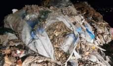 سائق شاحنة في عكار نقل النفايات من خارج البلدة ورماها عشوائيا