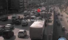 تصادم بين 3 سيارات على جسر أنطلياس- المسلك الغربي وحركة المرور كثيفة