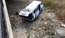 النشرة: جرحى نتيجة تصادم بين سيارة وفان على طريق عام المصيلح النبطية