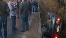 إصابة أم وأبنائها الـ5 في حادث سير على طريق العبدة العبودية